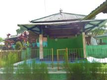 Mushola dan tempat berwudhu di dekat halaman parkir Curug Cigamea